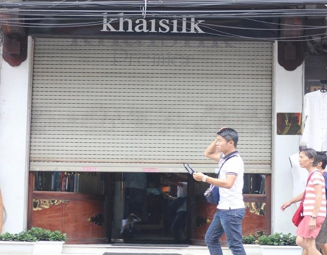 Bất ngờ bị kiểm tra, Khaisilk tại Hà Nội đóng cửa