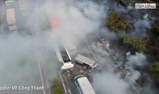 Hiểm họa giao thông từ đốt rơm rạ