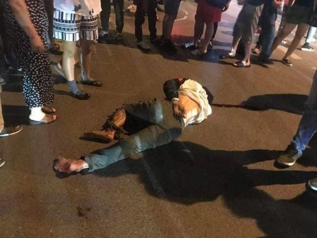 Ô tô tông xe máy, kéo lê nạn nhân trên đường phố Hà Nội