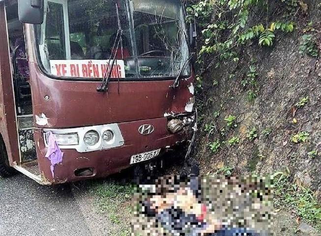 Xe chở khách đi lễ đền Hùng gây tai nạn