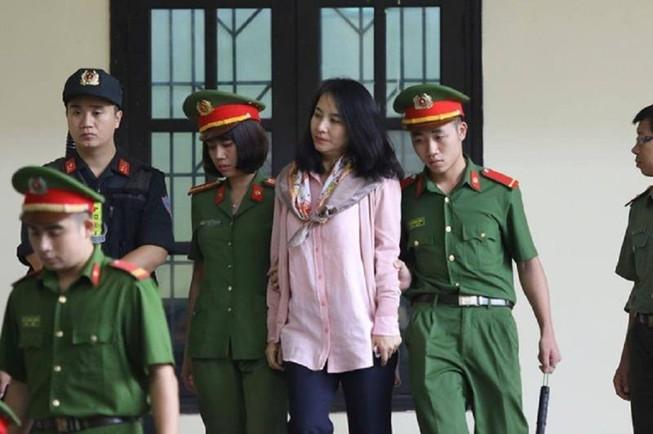 'Bóng hồng' giúp sức Nguyễn Văn Dương bị đề nghị 15 tháng tù