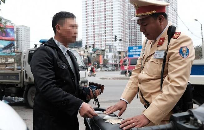 Cục CSGT giải thích cặn kẽ về nộp phạt giao thông trực tuyến