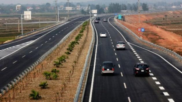 Những thói xấu của tài xế Việt Nam trên đường cao tốc
