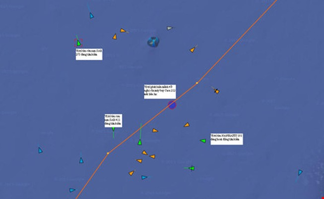 """Tàu """"nhìn"""" xuyên biển và đặc công nước đi tìm máy bay Casa"""