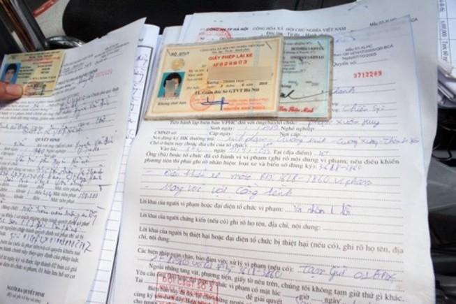 Có thể ủy quyền nộp phạt vi phạm giao thông?