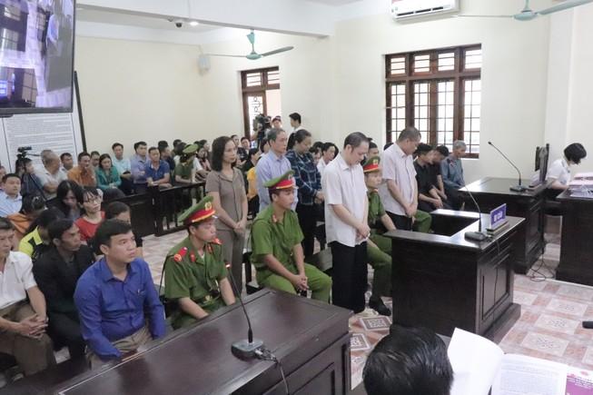 Vụ gian lận điểm thi Hà Giang: 19 người bất tuân lệnh tòa