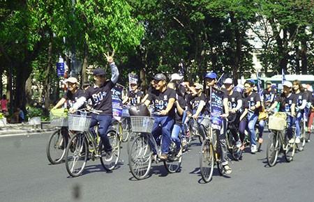 Hơn 7.000 tình nguyện viên kêu gọi người dân TP.HCM tiết kiệm điện