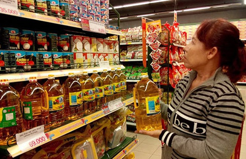 Xăng giảm: Giá hàng hóa vẫn đứng yên