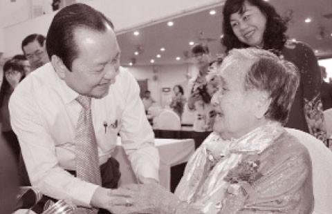 TP.HCM: 288 mẹ được trao tặng, truy tặng 'Bà mẹ Việt Nam anh hùng'