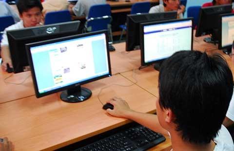 Luật phải hạn chế tối đa rủi ro trên mạng
