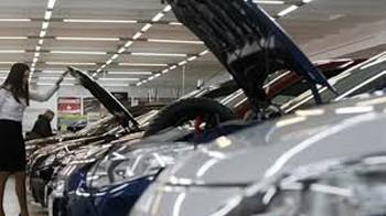 Sáu tháng, nhập khẩu gần 27.000 ô tô