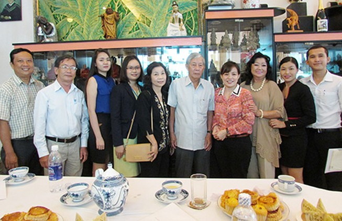 Kỳ nữ Kim Cương: 'Nhìn đám cưới người ta cũng thấy đỡ ghiền'