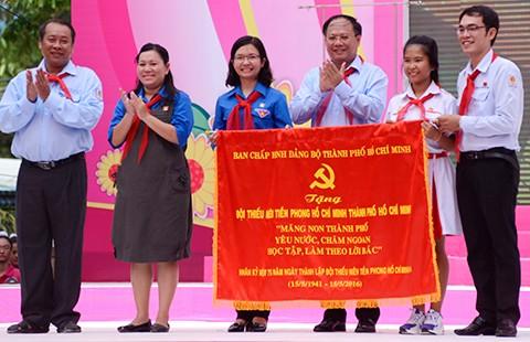 Hàng ngàn thiếu nhi TP.HCM dự lễ 75 năm thành lập Đội