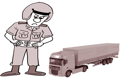 Tài xế 'giỡn mặt' CSGT