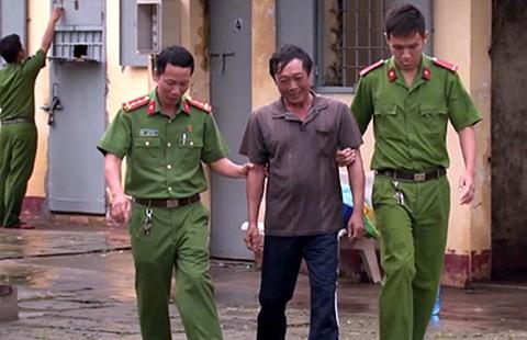 Hành trình bỏ trốn của kẻ cướp có súng AK