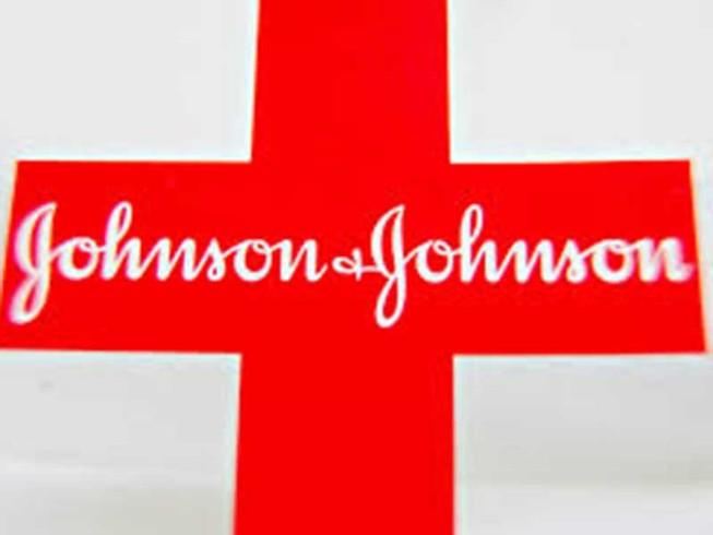 Johnson & Johnson bị kiện vì làm đàn ông ngực bự