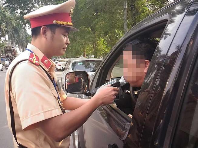 Đề xuất buộc chủ ô tô mở tài khoản để xử phạt