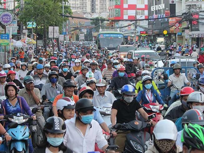 Đề xuất sốc: Cấm xe máy chạy trên đường