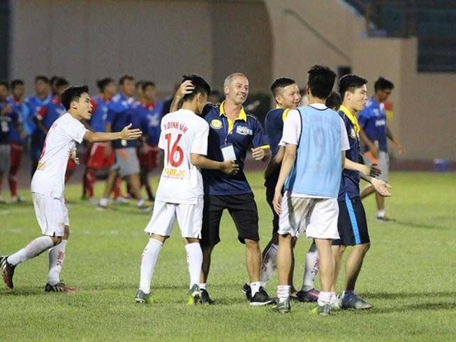 HLV Guillaume: '2 năm nữa, HA Gia Lai vô địch V-League'