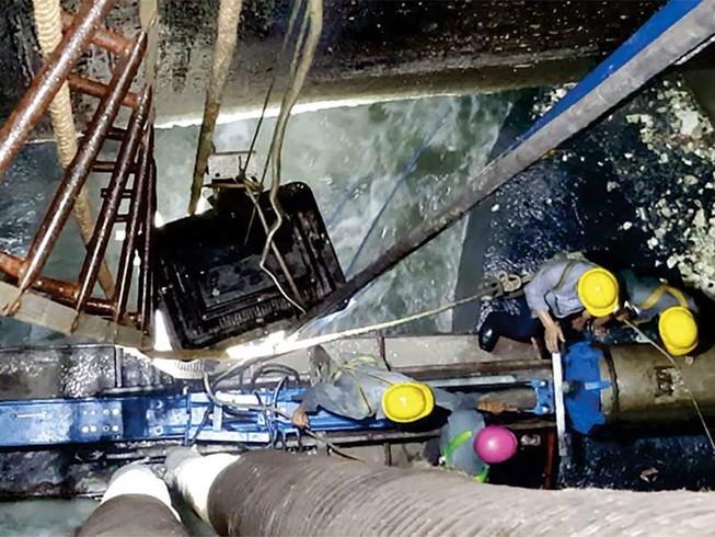 Kỳ công sửa cống kênh Nhiêu Lộc - Thị Nghè