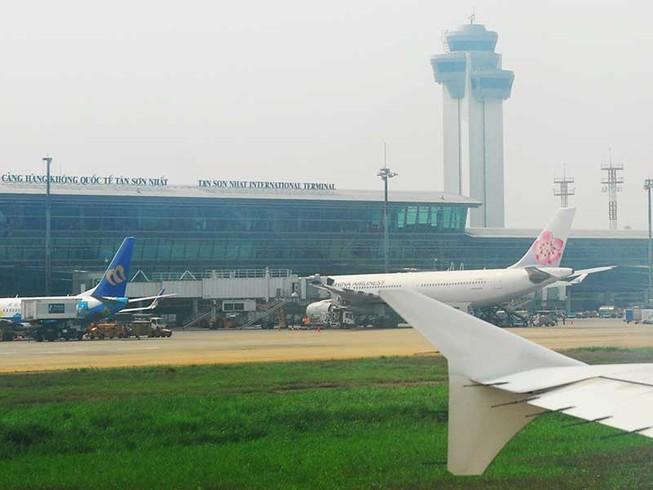 'Nên mở rộng Tân Sơn Nhất về hướng Nam'