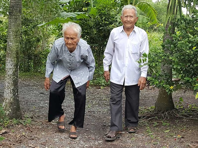 Những cụ già… trẻ trung tuổi 100 ở Bình Chánh