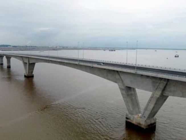 Nhiều sai sót ở cầu vượt biển dài nhất Việt Nam