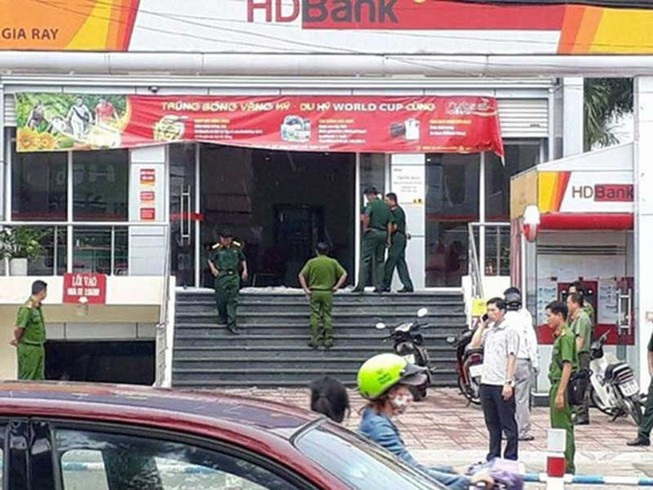 Dùng mìn giả cướp ngân hàng ở Đồng Nai