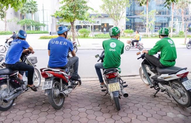 Hà Nội kiến nghị siết chặt hoạt động của Uber, Grab