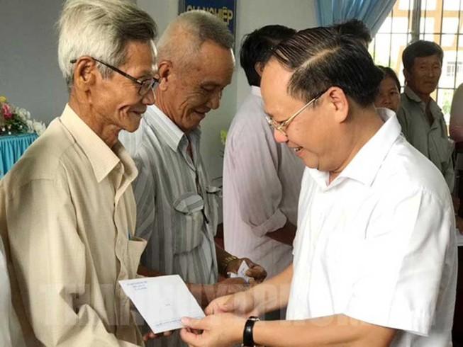 TP.HCM: Gần 1.400 tỉ đồng chăm lo người dân dịp Tết