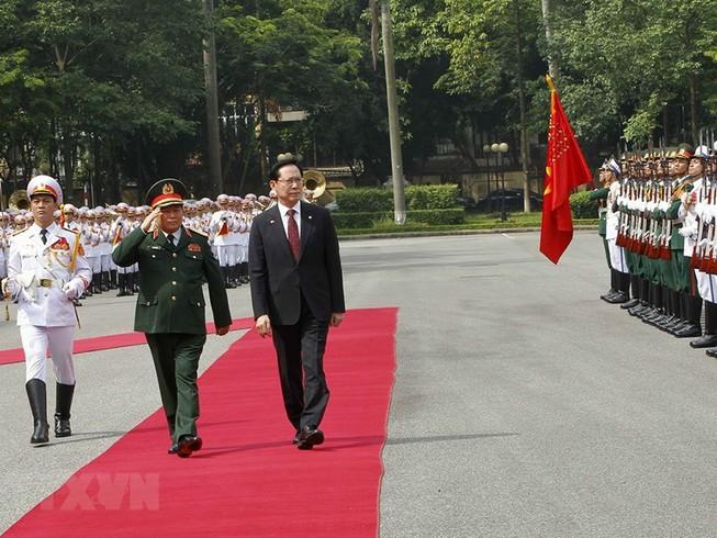 Bộ trưởng Bộ Quốc phòng Hàn Quốc thăm chính thức Việt Nam