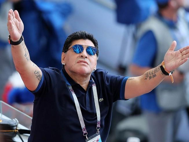 Người Anh lại bị Maradona xát muối vào vết thương