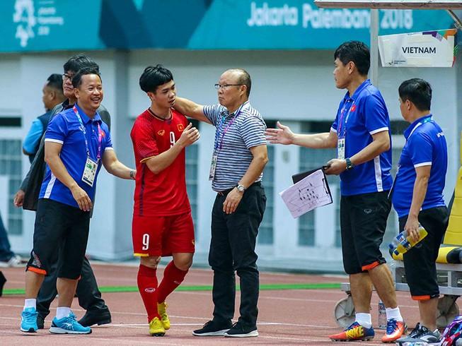 Ông Park thích gặp người Hàn ở chung kết