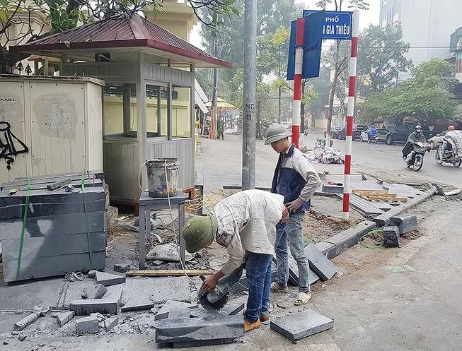 Hà Nội: Không lát đá vỉa hè tràn lan