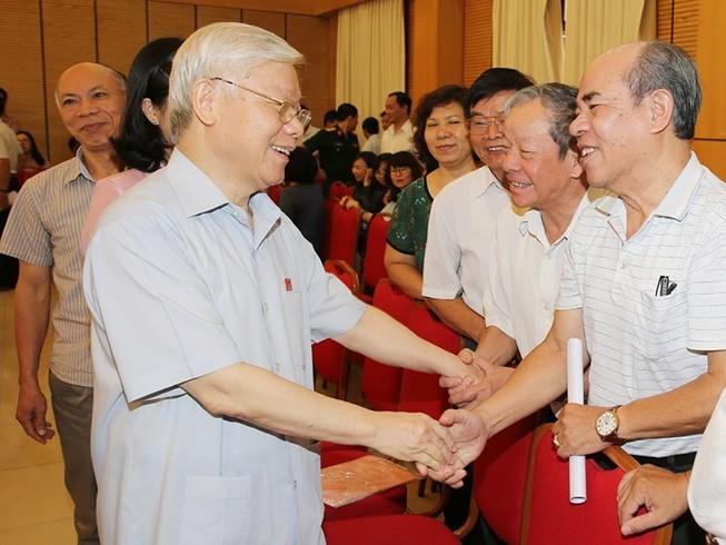 TBT Nguyễn Phú Trọng: Lãnh đạo cấp cao phải nêu gương trước