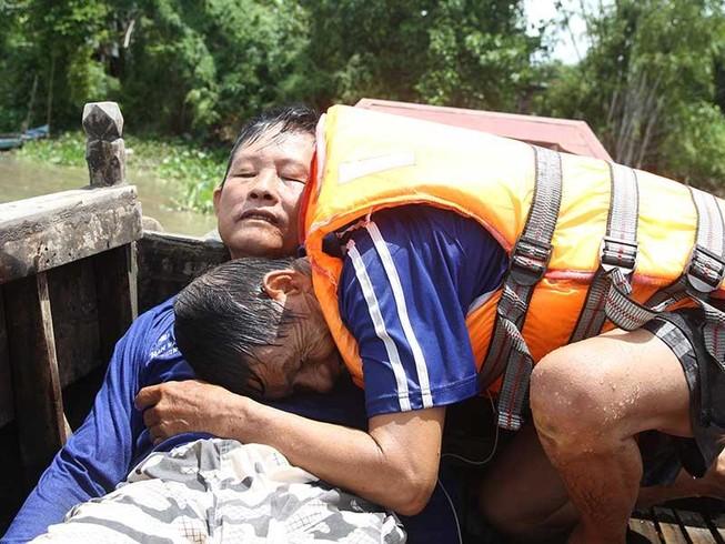 Những lão nông cứu người giữa sóng nước Vàm Nao