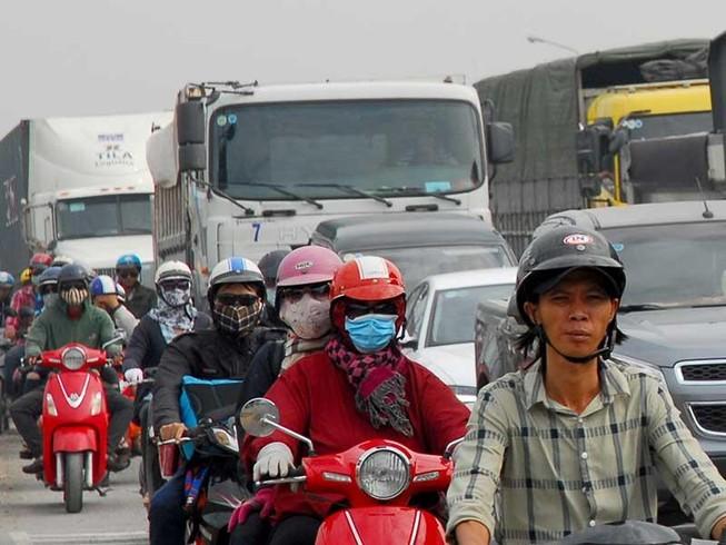 Mở thêm đường giải cứu kẹt xe cảng Cát Lái