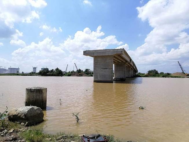 Thêm một dự án làm cầu 'đứng hình' do vướng mặt bằng