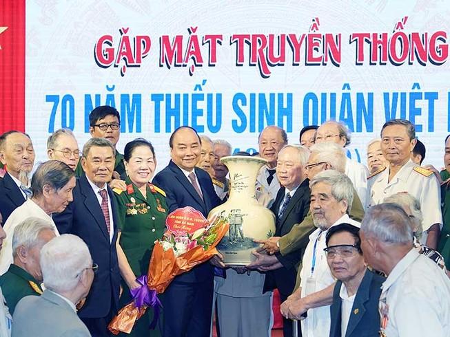 Thủ tướng dự kỷ niệm 70 năm thành lập Trường Thiếu sinh quân