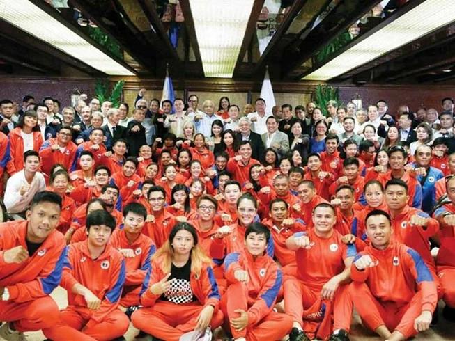 Hơn 20.000 người đăng ký làm tình nguyện viên SEA Games 30