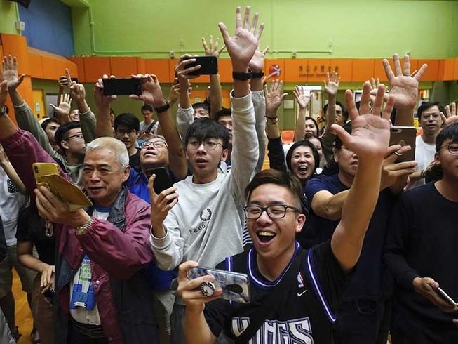 Ông Tập sẽ rạch ròi thương chiến với vấn đề Hong Kong?