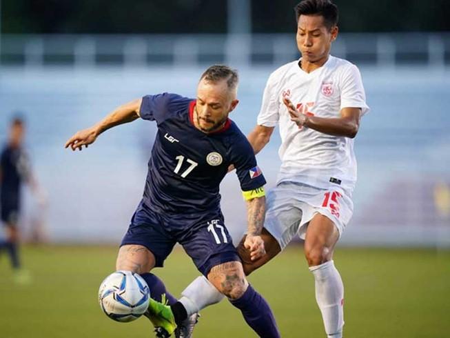 Bảng A còn ai ngoài Myanmar, Malaysia vào bán kết?