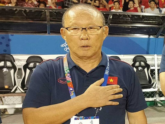 Ông Park: 'Cầu thủ chúng tôi không bao giờ chịu đầu hàng!'