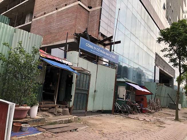 Tìm tư vấn nước ngoài phá dỡ tòa nhà 8B Lê Trực?