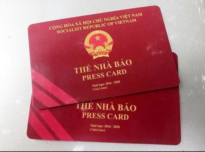 Thẻ nhà báo do hai cựu bộ trưởng ký có còn hiệu lực?