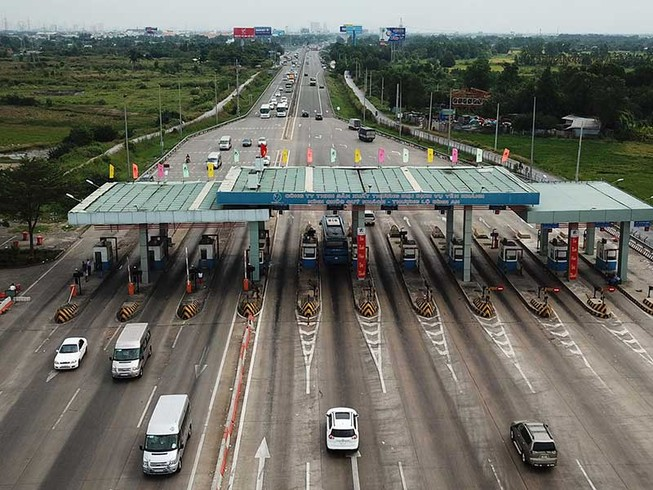 Cần thu phí trở lại cao tốc TP.HCM -Trung Lương