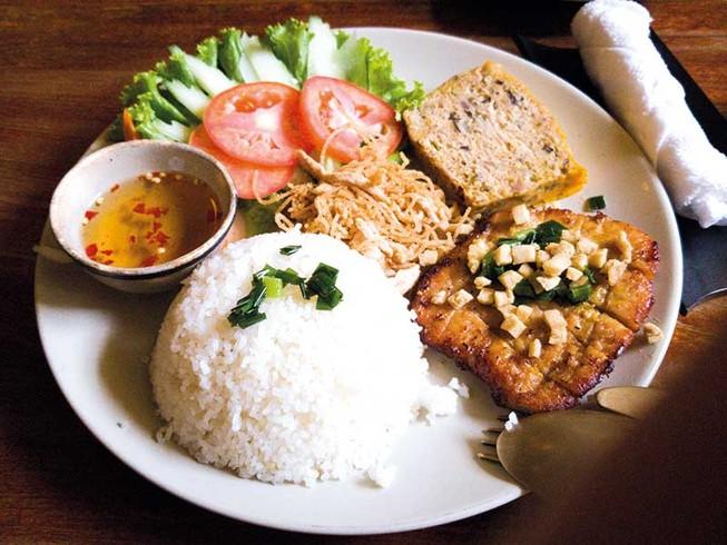 Ăn sáng Sài Gòn - ăn bằng cả niềm thương