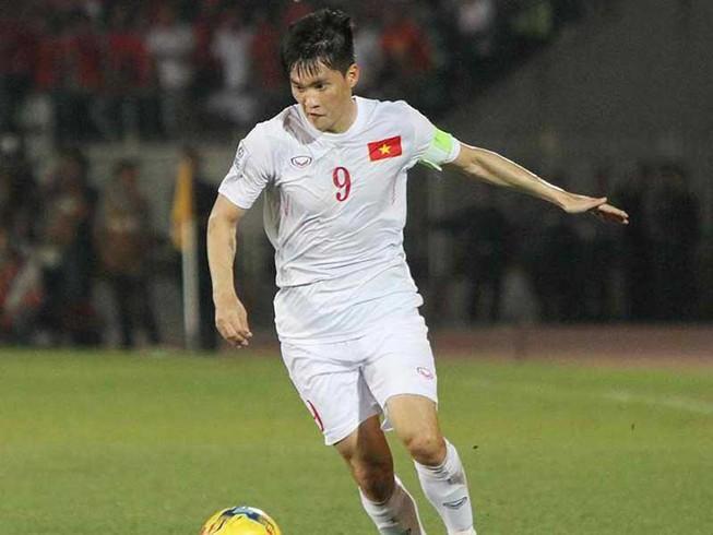 Treo giày rồi, Công Vinh vẫn thi đấu cùng Drogba, Park Ji Sung