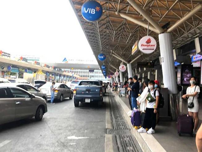 Cao điểm đón 52.000 lượt khách trở lại TP.HCM
