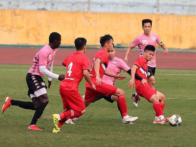 Khởi động mùa giải mới, Hà Nội hòa Viettel 1-1 'lượt đi'